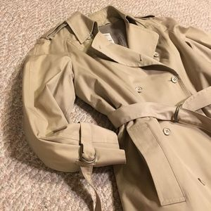 VTG London fog Long tan double breasted trench